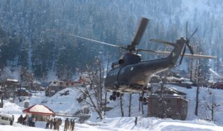 Pakistan rescuers search for survivors as avalanche toll rises