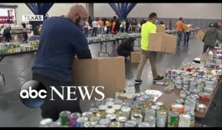 Food banks see record turnout on Thanksgiving amid growing food insecurity