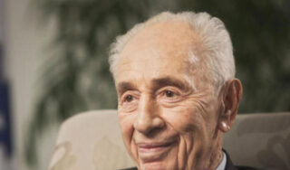 "Shimon Peres hailed as ""a soldier for Israel"""