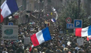 American tourists return to France as protests over health pass continue