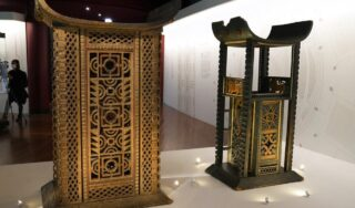 France to return looted treasures to Benin