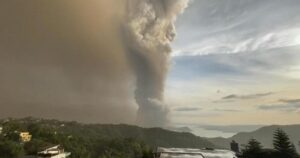 """""""Volcanic tsunami"""" warnings in the Philippines after an eruption near Manila"""